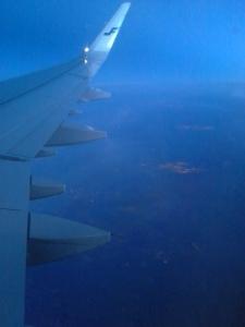 sininen-lentokoneen-siipi
